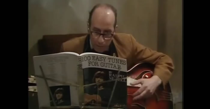 100 Easy Tunes For Guitar Comedy