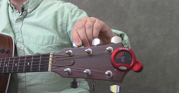 How to Use a Chromatic Guitar Tuner