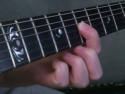 Muting Surrounding Strings With 1st Finger