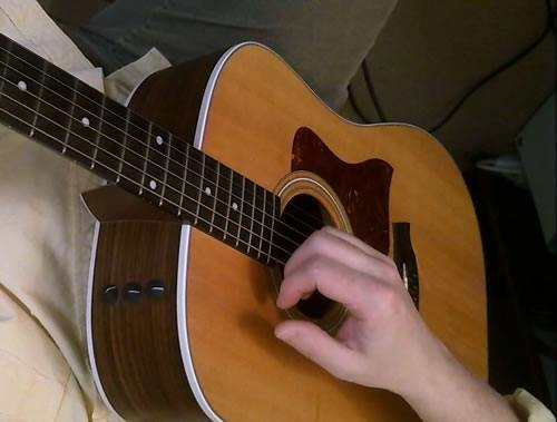 Basic Fingerstyle Strumming Down